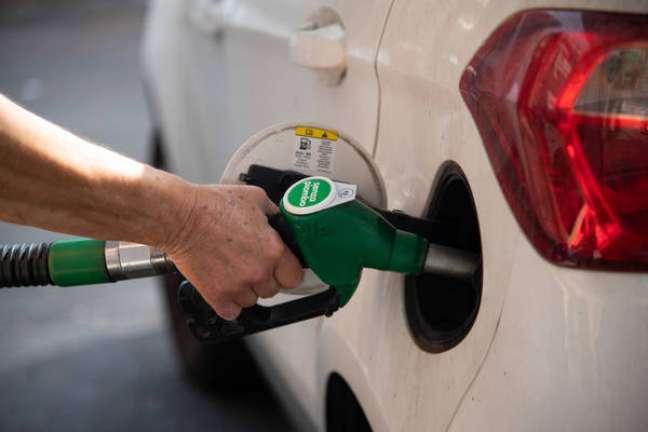 Gasolina italiana vem sofrendo altas constantes em 2021