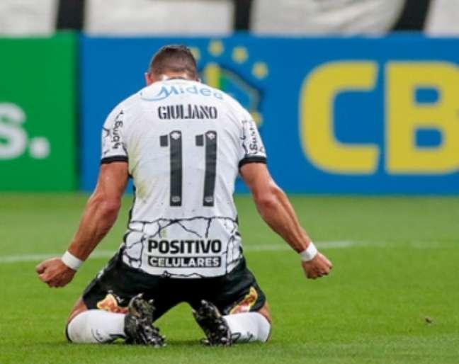 Giuliano comemora gol (Foto: Rodrigo Coca/Agência Corinthians)