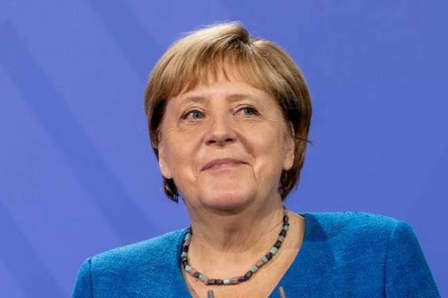 No poder desde 2005, Merkel deve ficar mais alguns meses no cargo