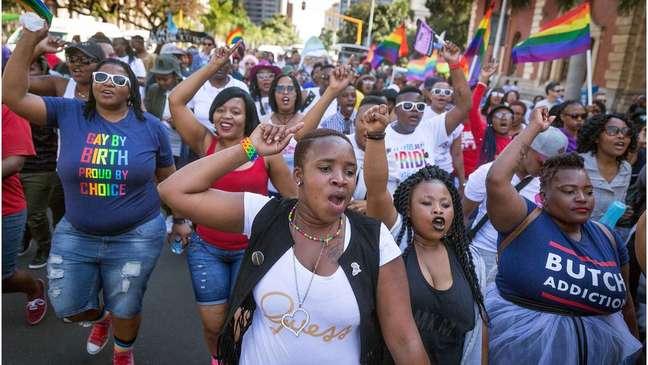 África do Sul já legalizou casamento entre pessoas do mesmo sexo e poligamia para os homens