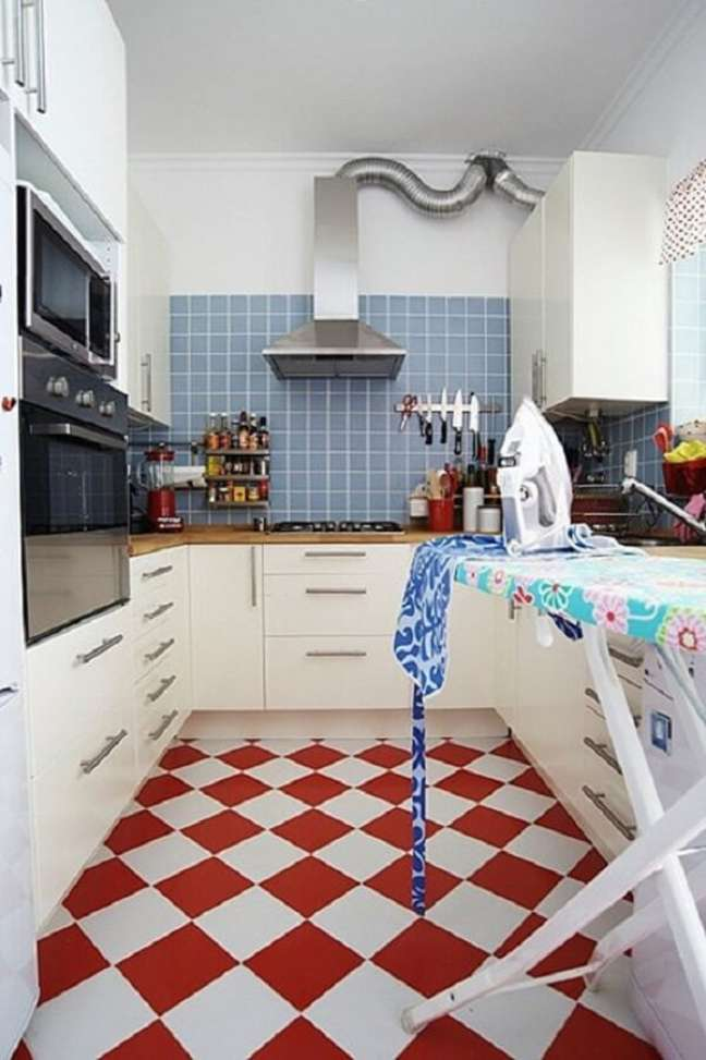 45. Projeto com piso xadrez vermelho. Fonte Blog Remobilia