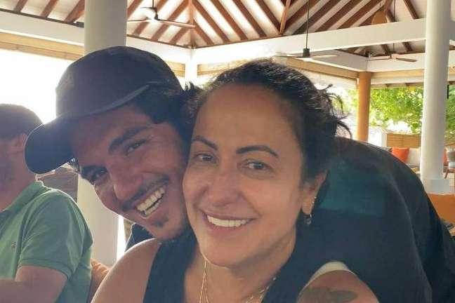Gabriel Medina rompeu relações com a sua mãe Simone Reprodução Instagram @simonemedina