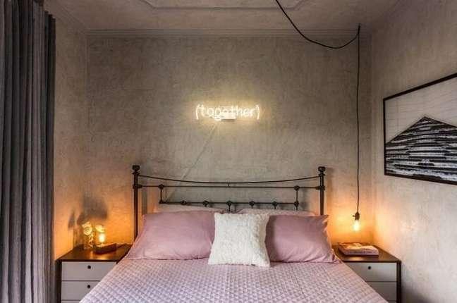 12. Aposte em uma luz neon para quarto de casal suave. Fonte: Studio Boscardin Corsi