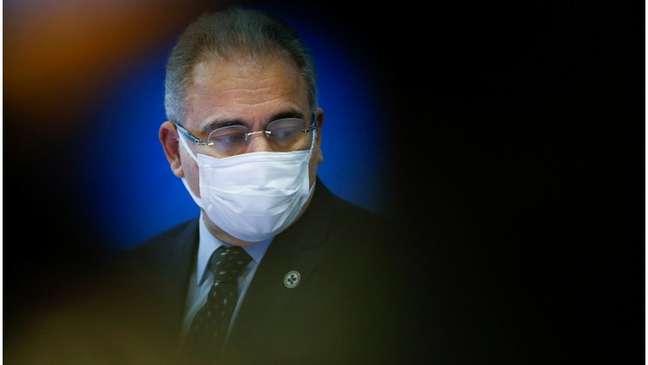 Queiroga (foto) voltaria com Bolsonaro para Brasília, mas ficará em quarentena em Nova York após ter sido diagnosticado com covid-19