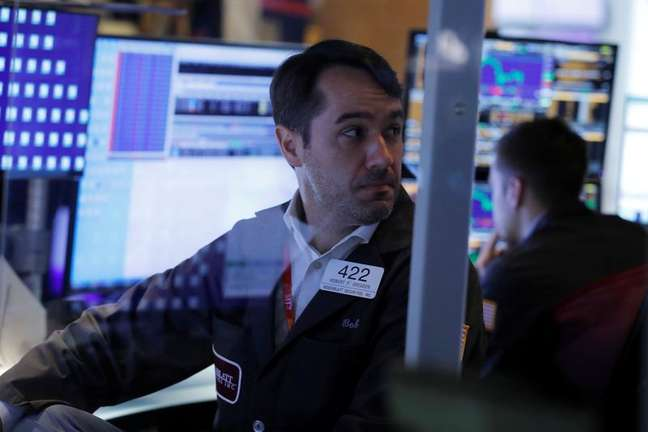 Operadores trabalham na Bolsa de Nova York, EUA 17/08/2021 REUTERS/Andrew Kelly