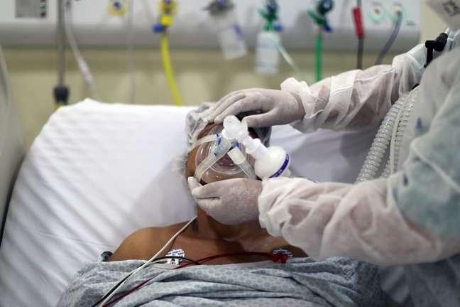 Paciente com Covid-19 em hospital de São Paulo 08/04/2021 REUTERS/Amanda Perobelli/File Photo