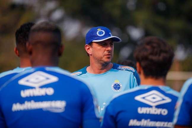 Ceni tentou salvar a Raposa do rebaixamento em 2019, mas ficou pouco tempo no cargo-(Foto: Vinnicius Silva/Cruzeiro)