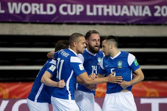 Seleção Brasileira venceu os três jogos da fase de grupos do Mundial da futsal (Foto: Thais Magalhães/CBF)