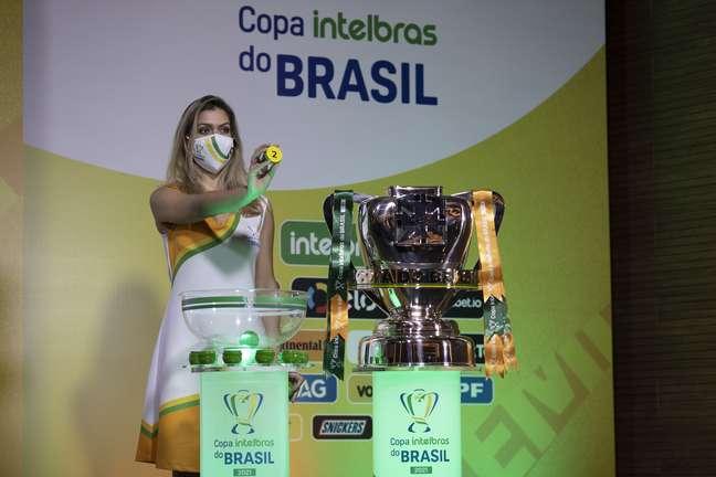 Sorteio define mando de campo das semifinais da Copa do Brasil; Flamengo e Fortaleza decidem em casa