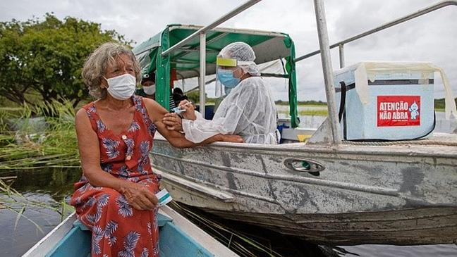 Imagens da campanha de vacinação emocionaram mais do que momento em que taxa de eficácia da CoronaVac foi divulgada, revela Palacios