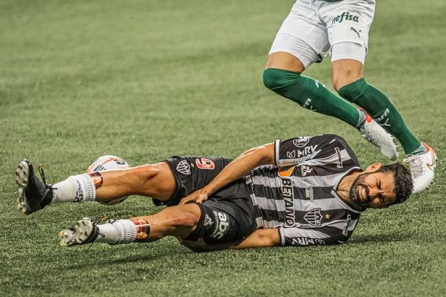 Diego Costa sentiu lesão muscular contra o Palmeiras