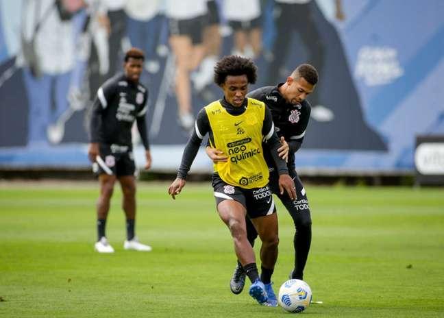 Willian pode jogar o primeiro clássico em seu retorno ao Corinthians (Foto: Rodrigo Coca/Ag.Corinthians)