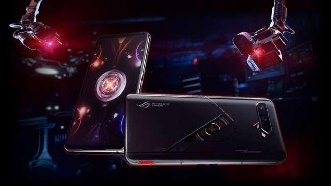 ROG Phone 5S Pro possui tela secundária na parte de trás