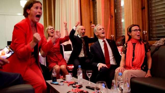 Os trabalhistas noruegueses encerraram oito anos de governo conservador