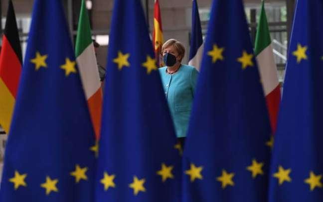 De saída do cargo, Merkel deve deixar vácuo no poder da UE
