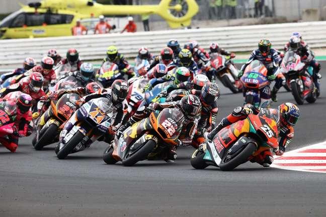 A Moto2 vai contar com um grid de 30 pilotos no próximo ano