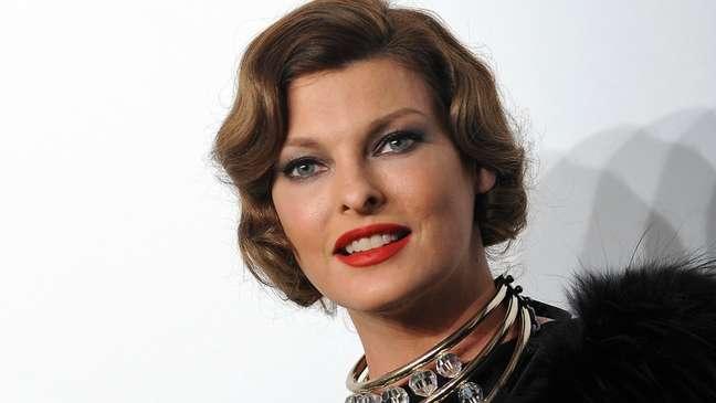 Linda Evangelista em foto de 2009; ela se tornou famosa nos anos 1990, estrelando nas passarelas mais prestigiadas do mundo e em capas da revista Vogue