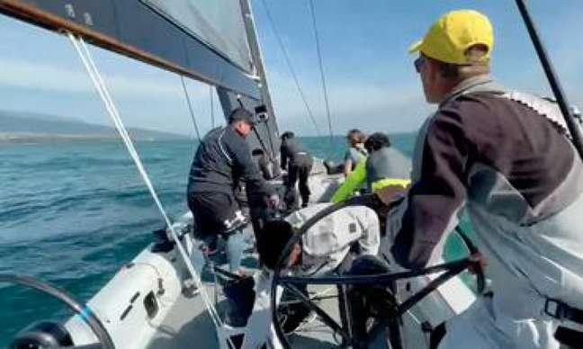 Robert Scheidt no comando da equipe (Foto: Reprodução)