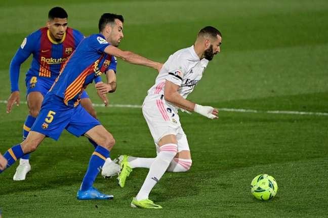Barça e Real se enfrentam no dia 24 de outubro (JAVIER SORIANO / AFP)