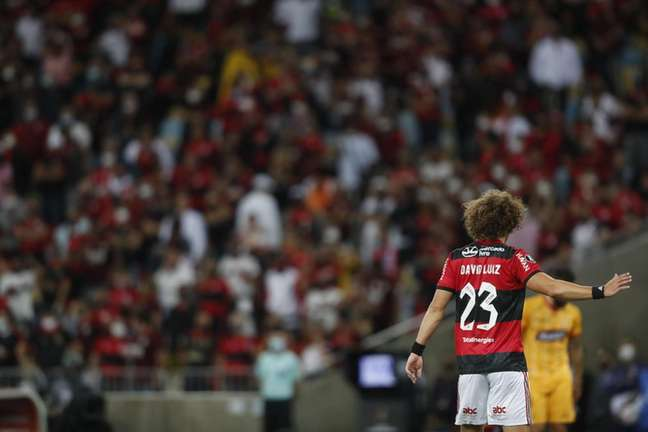 O zagueiro David Luiz durante sua estreia pelo Flamengo, no Maracanã (Foto: Gilvan de Souza/Flamengo)