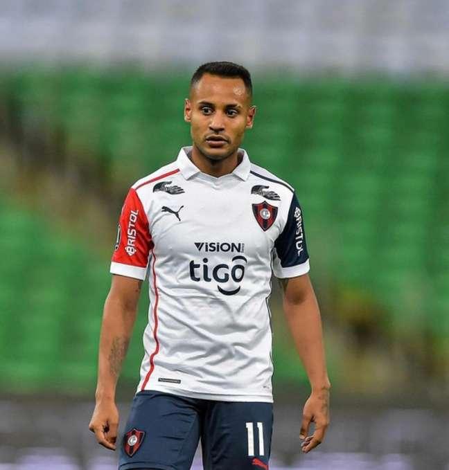 Mateus Gonçalves, do Cerro Porteno, investe na Bolsa desde 2019 - Divulgação