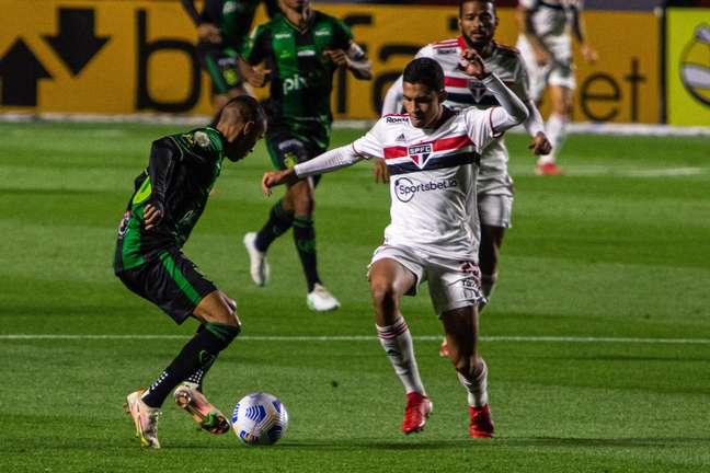 São Paulo joga mal e empata sem gols com o América-MG
