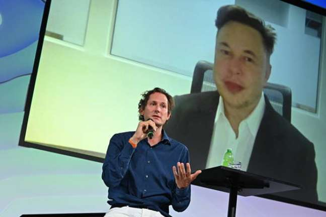 John Elkann participa com Elon Musk de evento de tecnologia em Turim, na Itália