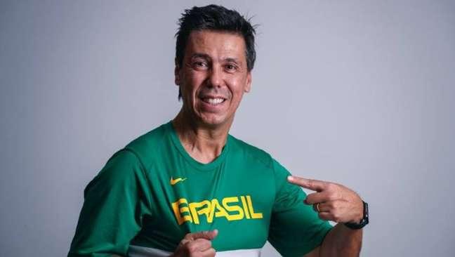 De volta à seleção brasileira, Helinho Garcia será auxiliar técnico de Gustavo de Conti