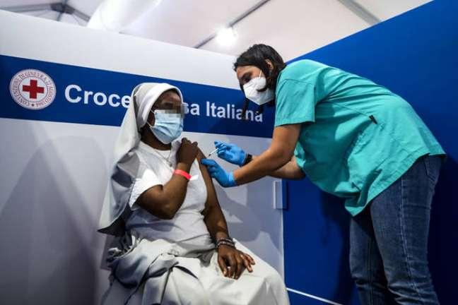 Vacinação contra Covid em Roma, capital da Itália