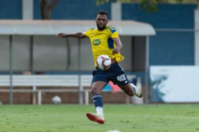Thiago precisa, junto com os colegas de time, iniciar uma sequência de vitórias para ainda manter a Raposa com chance de acesso-(Bruno Haddad/Cruzeiro)