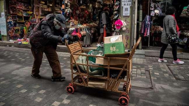Apesar do sistema político-econômico de cunho socialista, há uma desigualdade gigantesca entre ricos e pobres na China