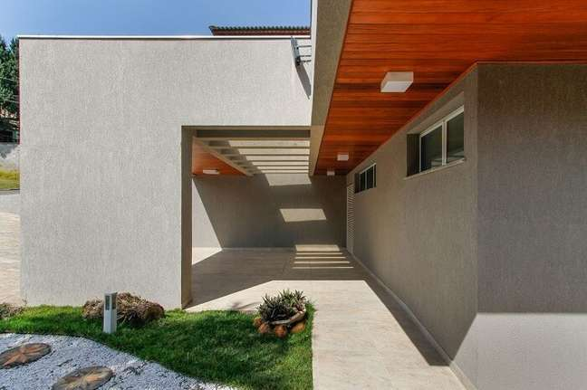50. Projeto de garagem com pergolado de concreto. Fonte: Otoni Arquitetura