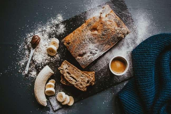 1. Receita de bolo de banana simples com canela – Foto: Pexels