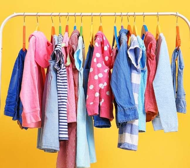 Estilo clássica, com estampa, básica ou esportista? Confira qual roupa tem a ver com seu signo - (Shutterstock)