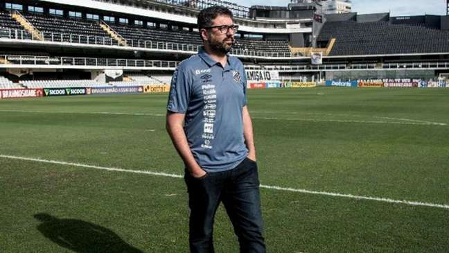 O gerente de marketing, Rafael Soares, explicou os planos para o clube (Foto: Ivan Storti/SantosFC)