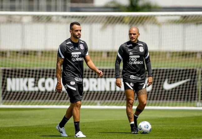 Renato Augusto e Fábio Santos estão entre os relacionados para o Dérbi (Foto: Rodrigo Coca/Ag. Corinthians)