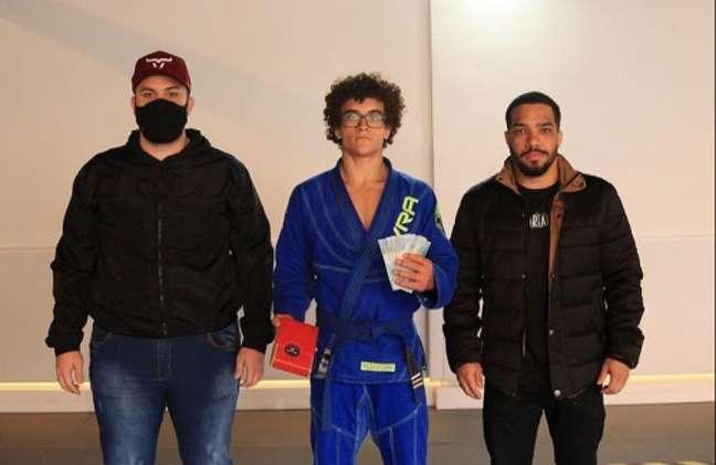 Israel, no canto direito, durante premiação da Copa Dream Art em São Paulo (Foto: Arquivo pessoal)