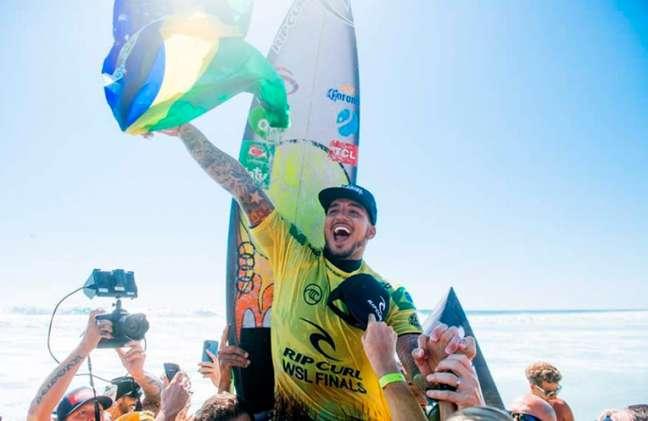 Gabriel Medina é tricampeão mundial de surfe (Foto: Pat Nolan/WSL)