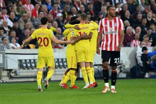 Com o empate, o Liverpool se manteve na liderança do Campeonato Inglês com 14 pontos nos seis primeiros jogos (Foto: GLYN KIRK / AFP)