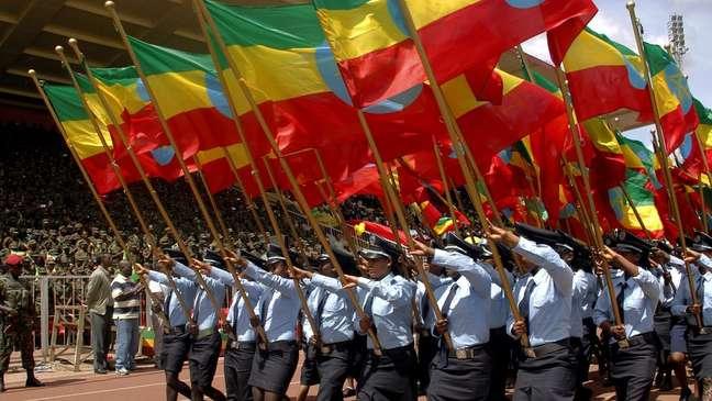 Três principais cores da bandeira etíope representam pan-africanismo; vários países do continente adotaram essas cores em suas bandeiras após conquistarem independência