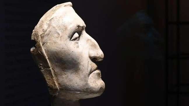 Máscara de Dante Alighieri no Palazzo Vecchio em Florença, Itália