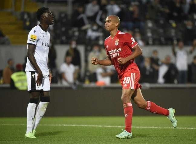 Benfica tenta mais um título português sob o comando de Jorge Jesus (Foto: MIGUEL RIOPA / AFP)