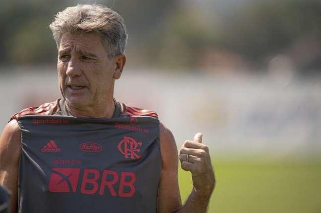 Renato lançará uma equipe mista para duelo com o Coelho (Foto: Alexandre Vidal/Flamengo)