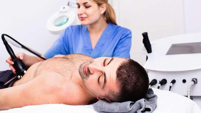 Homens apresentam risco aumentado de HAP após tratamento com criolipólise.