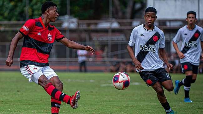 Flamengo tomou as rédeas da partida realizada na Gávea (Paula Reis /CRF)