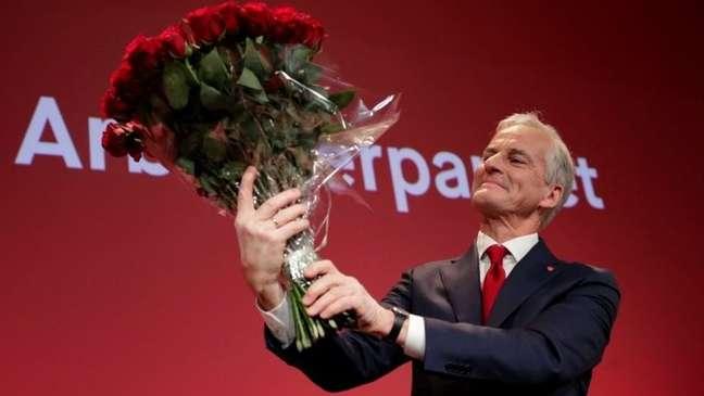 Jonas Gahr Stoere, vencedor da eleição na Noruega, agora tenta forma uma coalizão de governo