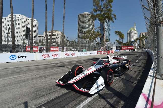 Josef Newgarden foi segundo em Long Beach