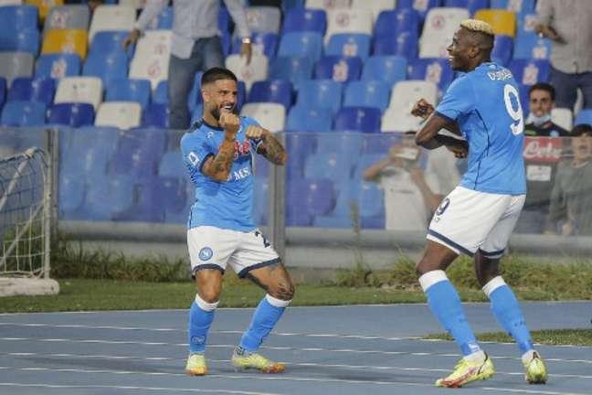 Insigne e Osimhen marcaram na vitória do Napoli (Foto: CARLO HERMANN / AFP)