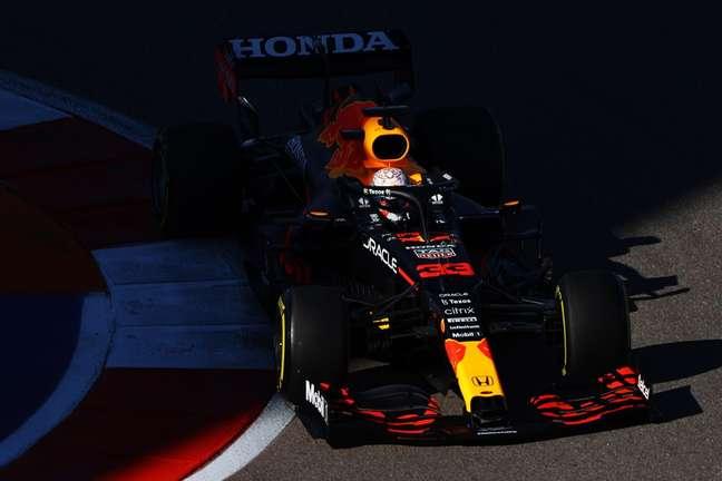 Max Verstappen foi ao pódio em Sóchi