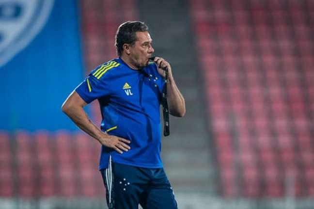 O treinador garante que vai seguir cobrando a direção do clube os salários em dia-(Bruno Haddad/Cruzeiro)